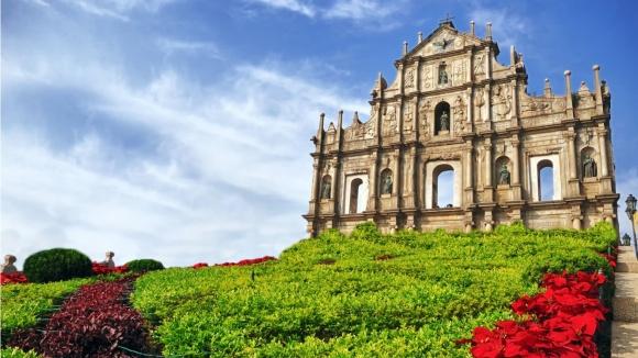 ruins_of_saint_pauls_cathedral_macau-1366x768