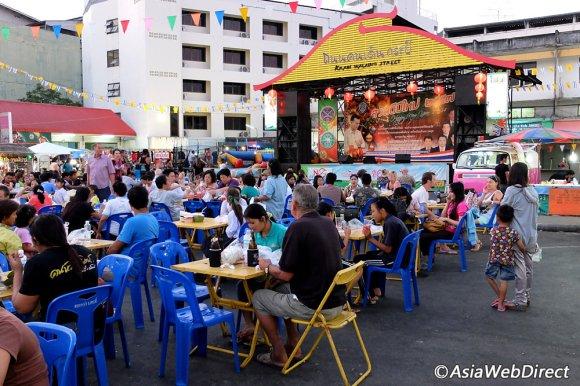 krabi-walking-street-activities-stage
