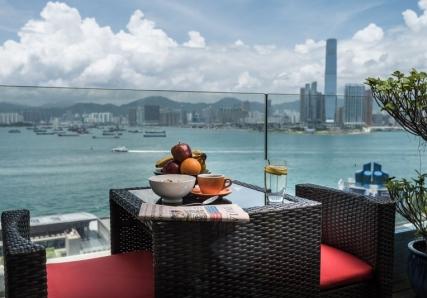 chi120-balcony