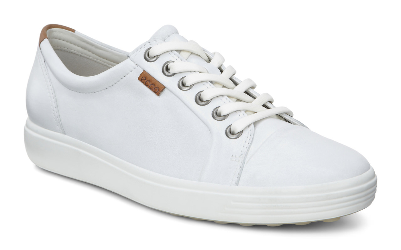 comfortable white womens sneakers